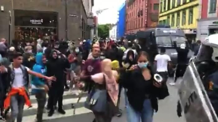 Demonstrasi rusuh di Norwegia