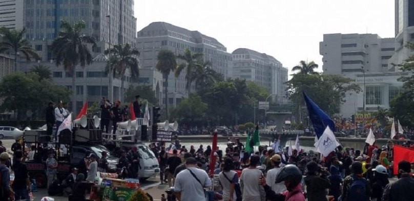 Massa Demo Tolak UU Ciptaker