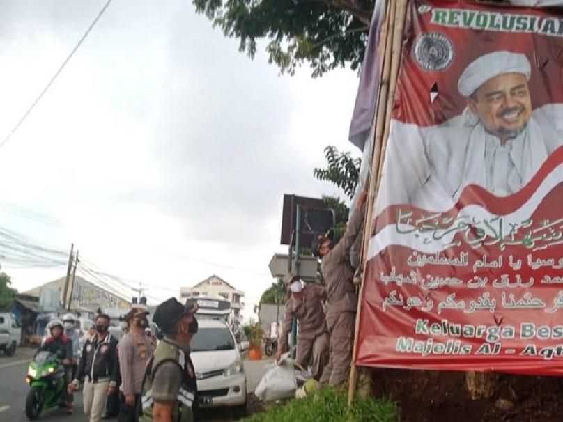 Respons Keras Laskar FPI Cianjur soal Penurunan Spanduk-Baliho Habib Rizieq