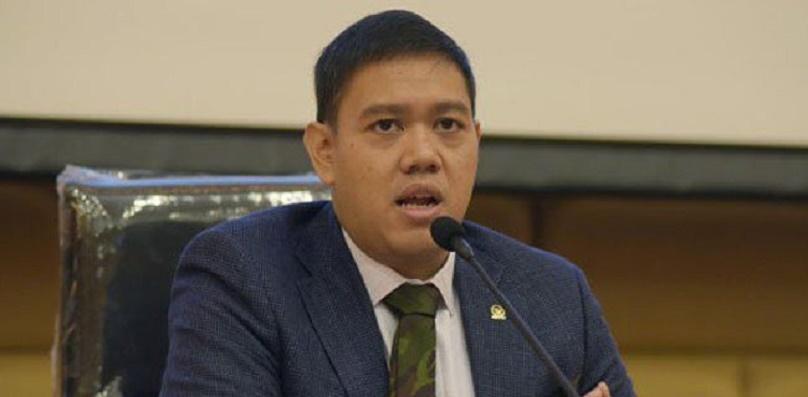 Komisi I DPR: Masih Sesuai Tupoksi, Perintah Pangdam Jaya Turunkan Baliho HRS Tidak Salah