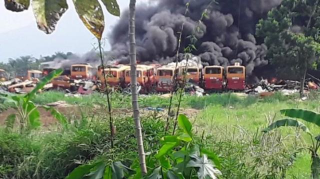 Puluhan Bus Bekas yang Terbakar di Bogor Bukan Milik Transjakarta, Lalu Punya Siapa?