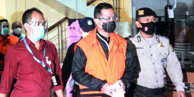 Juliari Bungkam Diperiksa KPK, MAKI: Pasti Ada yang Ditutupi