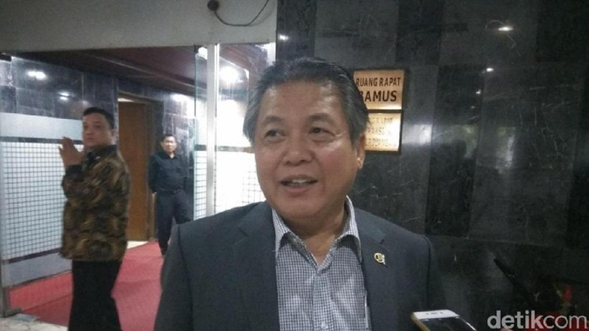 PKS Curiga Massa Demo Dukung Risma Suruhan, PDIP Membela