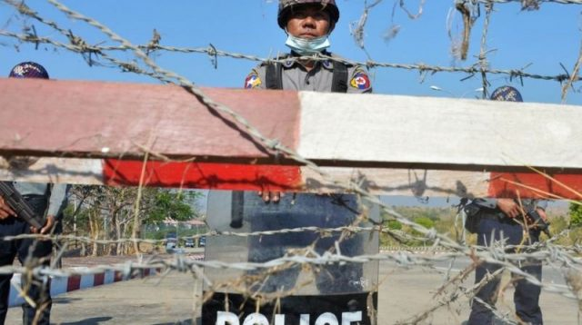 Myanmar: Militer ambil alih kekuasaan, kondisi darurat diberlakukan