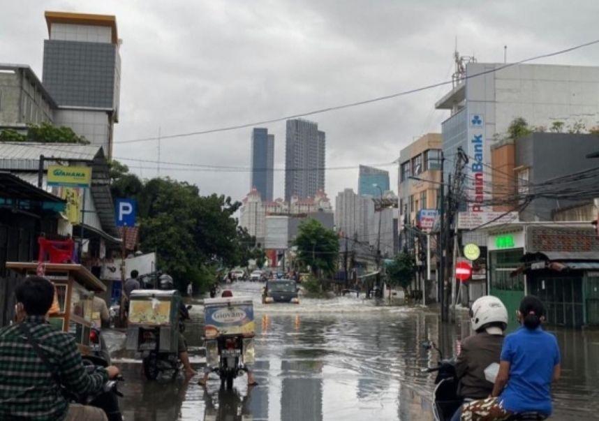 BMKG Sebut Jakarta Berpotensi Banjir Beberapa Hari ke Depan, Penyebabnya Mirip di Semarang
