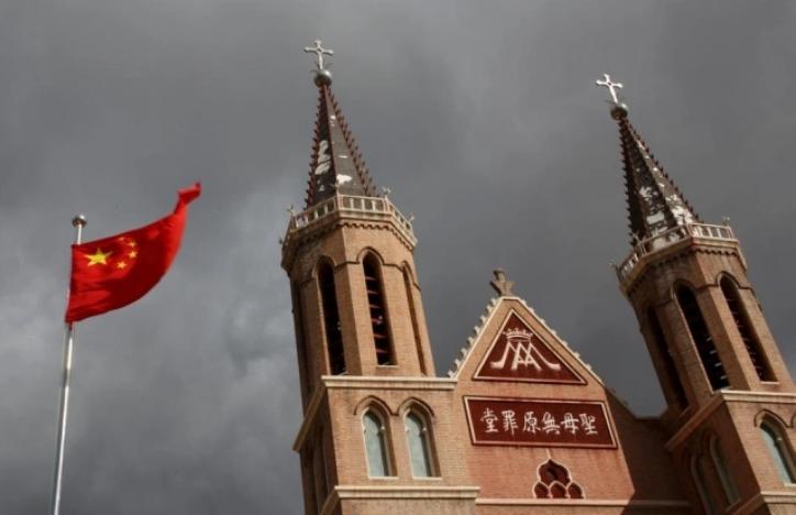 Gereja-Gereja di China Diminta Ganti 10 Perintah Tuhan dengan Kutipan Presiden Xi Jinping