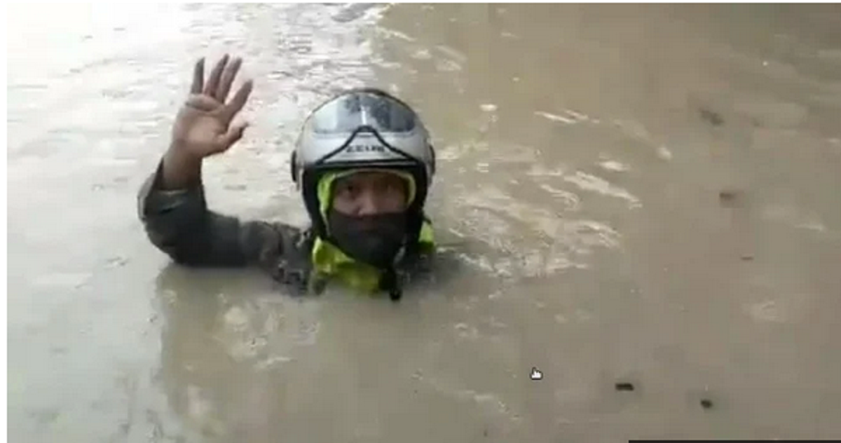 Kocak, Netizen Sindir Beda Banjir Jakarta dan Genangan Semarang