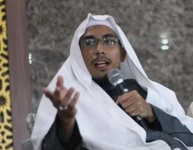 Komnas HAM Selidiki Wafatnya Ustadz Maaher, Rocky Gerung: Mirip Lagu 'Madu dan Racun'