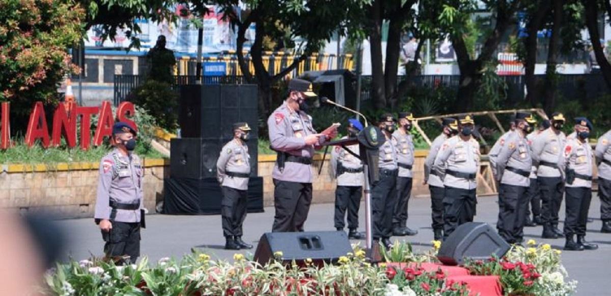 Kapolri Jenderal Listyo Sigit Lepas Tim Tracer dan Vaksinator Untuk Tangani Covid-19