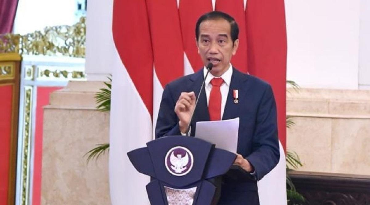 Lihat Warga Saling Melapor, Jokowi Perintahkan Kapolri Selektif Sikapi UU ITE