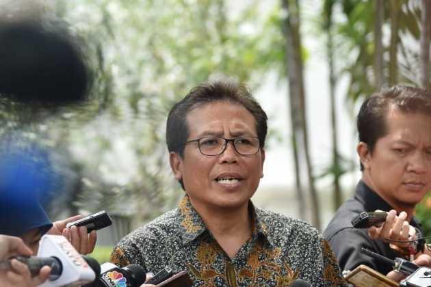 Bukan Pencitraan, Fadjroel Rachman Ungkap Alasan Jokowi Blusukan Malam-malam Bagi Sembako
