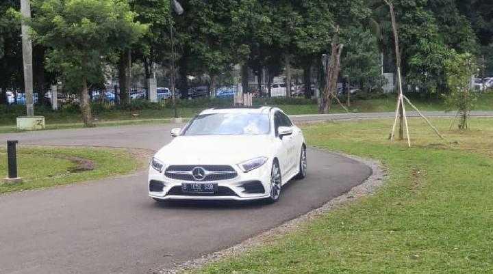 Ini 3 Mobil Mewah Rektor UI Ari Kuncoro, Mana yang Paling Mahal?