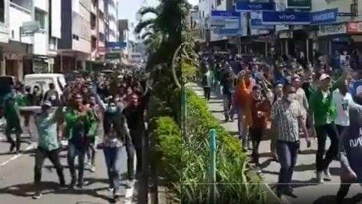 """Mahasiswa Ambon Mulai Demo Tolak PPKM Mikro, Teriakkan """"Revolusi!"""""""