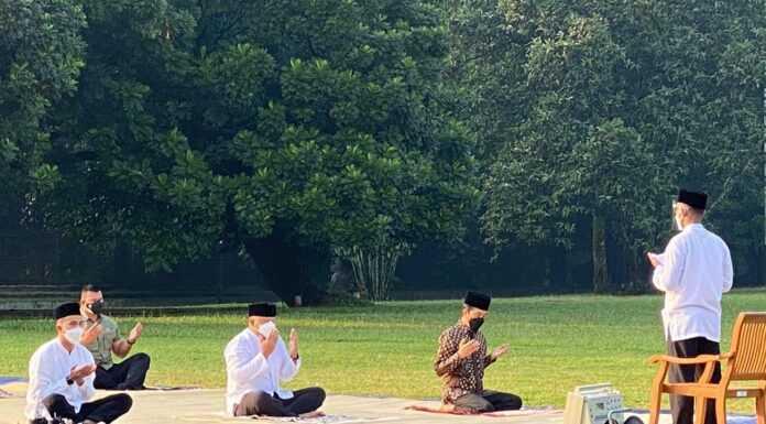 Jokowi Sebut Paspampres Jadi Muazin Salat Idul Adha, Netizen: Salat Ied Tidak Perlu Muazin Pak!