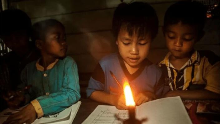 Miris! Setengah Juta Rumah Tangga di Indonesia Masih Hidup Tanpa Listrik