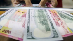Rupiah Melemah Jelang Pengumuman Inflasi dan Kebijakan PPKM