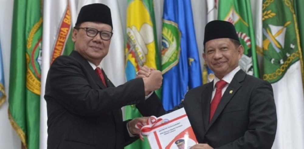 Dapat Bisikan soal Reshuffle Kabinet, Hensat: Dikabarkan Paling Lambat Awal Oktober, Tito Tukar Guling dengan Tjahjo