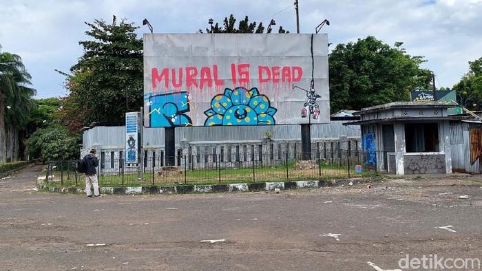 Respons Walkot Oded soal Mural di Bandung Dihapus Petugas