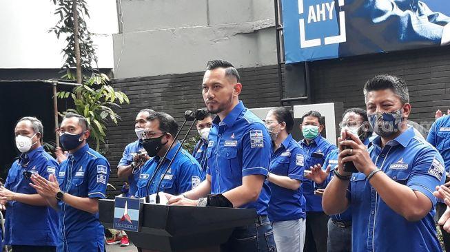Denny Siregar Sindir Soal Nafsu Politik AHY: Anak Manja Sok Ngatur Negara