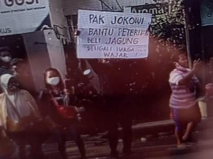 Gus Nadir Heran Poster Minta Bantuan Jokowi: Isinya Sopan kok Ditangkap