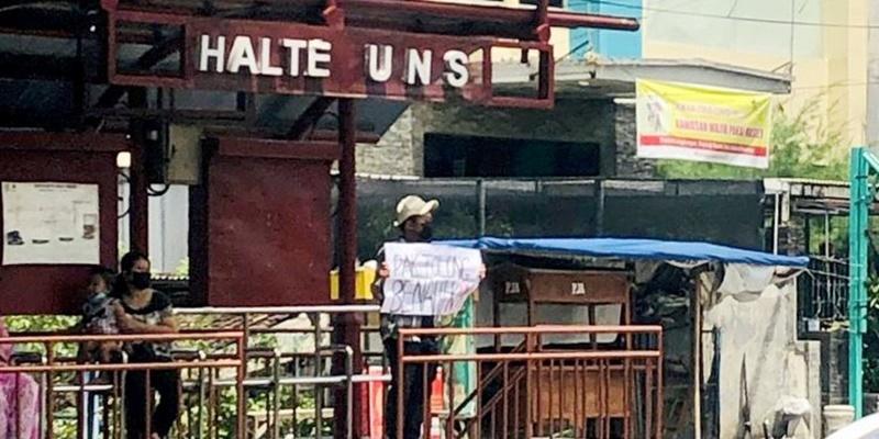 Penangkapan Mahasiswa Pembawa Poster Melanggar HAM, UUD dan Mengangkangi Jokowi