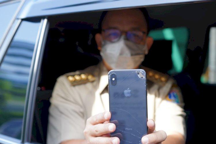 Sederhananya Anies Masih Pakai Handphone Retak dan Pecah, Ketahuan saat Masuk Ancol