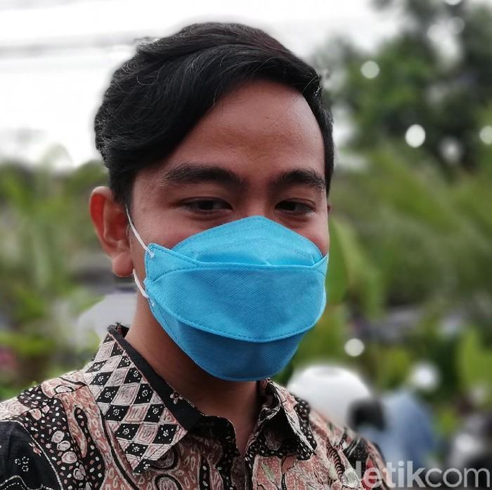 Saling Puji Berlanjut! Gibran: Anies Role Model, Sukses Bangun Jakarta