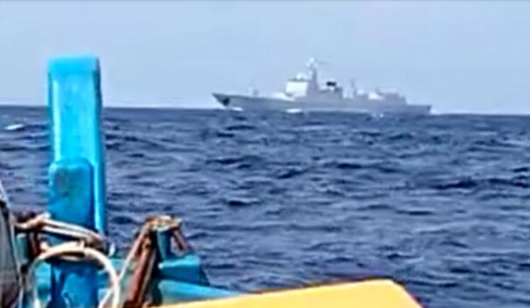 Kapal Perang China Mondar-mandir di Laut Natuna Utara, Nelayan Ketakutan